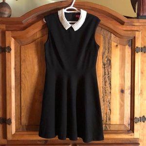 Betsey Johnson Dresses - Betsy Johnson sleeveless dress